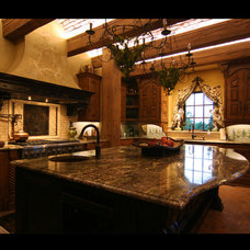 Traditional Kitchen by Euro World Design