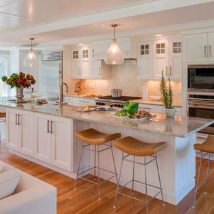 Beach style kitchen designs - Inspiration for a beach style kitchen remodel in Boston