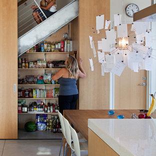 Eat-in kitchen - contemporary eat-in kitchen idea in San Diego