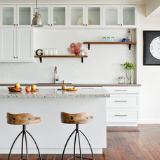 Transitional Kitchen by Chipper Hatter Architectural Photographer