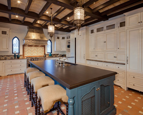 Moroccan kitchen design ideas remodel pictures houzz for Moroccan style decor in your home