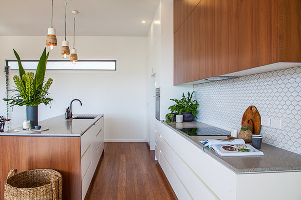How To Warm Up A Contemporary White Kitchen