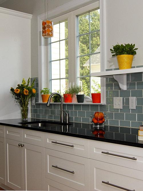 Floral tile backsplash home design ideas pictures for Kitchen 919 reviews