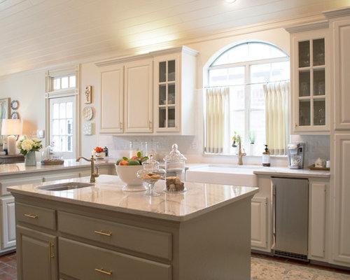 k chen mit marmor arbeitsplatte und backsteinboden ideen. Black Bedroom Furniture Sets. Home Design Ideas