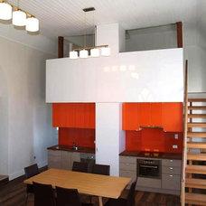 Industrial Kitchen by Sandberg Schoffel Architects