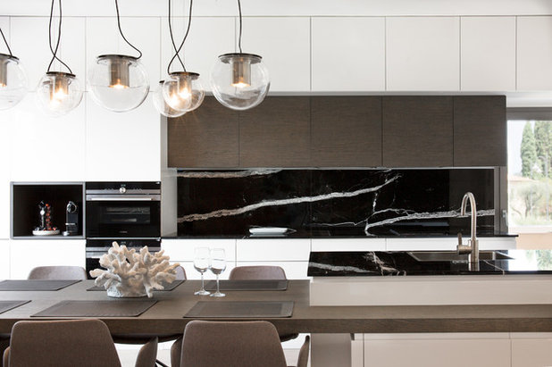Contemporary Kitchen by Ambience Home Design S.L