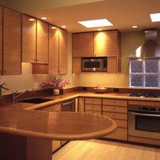 Modern Kitchen by Laguna Bamboo
