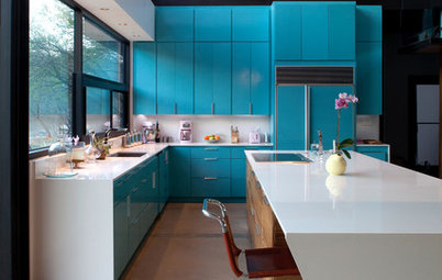 Kitchen of the Week: Brilliant Blue Cabinets in a Modern Setting