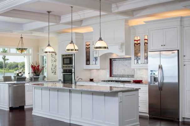 Traditional Kitchen by Keesee and Associates, Inc.