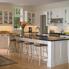 Beach Style Kitchen by Roundtree Construction