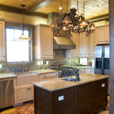 Traditional Kitchen by Timberlake Custom Homes, LLC