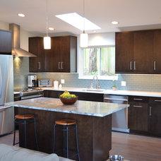 Modern Kitchen by Coast to Coast Design, LLC