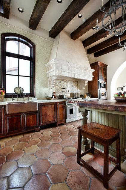 Mediterranean Kitchen by JAUREGUI Architecture Interiors Construction