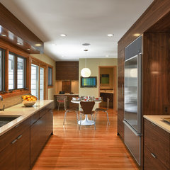 modern kitchen by Lake Country Builders