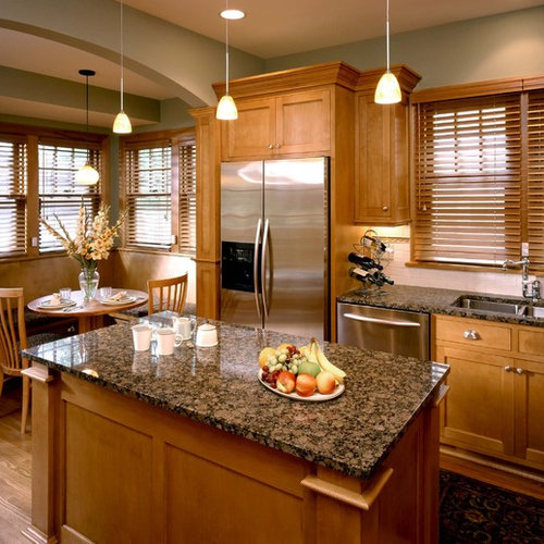 Paint Colors With Medium Oak Kitchen Cabinets: Baltic Brown Granite