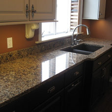 Traditional Kitchen by Select Surfaces
