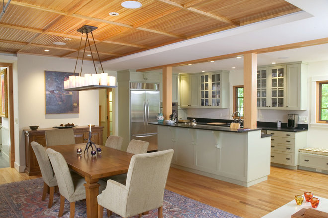 Traditional Kitchen by Knight Associates