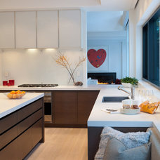 Modern Kitchen by Heffel Balagno Design Consultants
