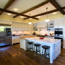 Traditional Kitchen by JAMES DIXON ARCHITECT PC