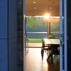 Modern Kitchen by Resolution: 4 Architecture