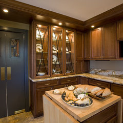 traditional kitchen by Shane D. Inman