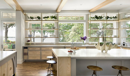 7 White-and-Wood Kitchens That Wowed in 2018