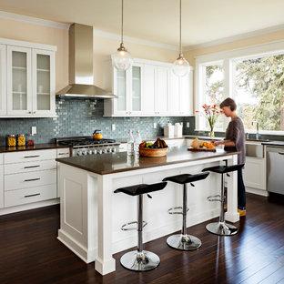 Idéer för att renovera ett vintage kök, med en rustik diskho