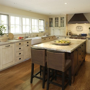 75 Beautiful Green Kitchen With Glass Front Cabinets Pictures