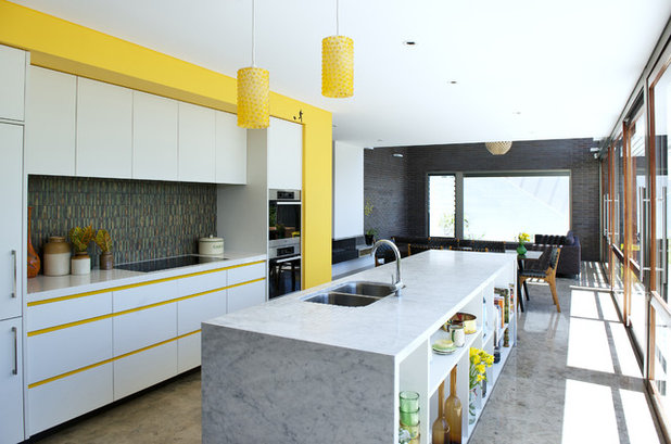 Midcentury Kitchen by Klopper and Davis Architects