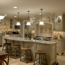 Traditional Kitchen by Ellis Architects