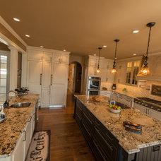 Traditional Kitchen by Cheryl Pett Design Ltd.