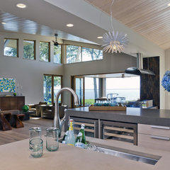modern kitchen by Lucy Interior Design