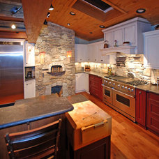 Traditional Kitchen by The Cabinetworks