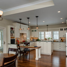 Traditional Kitchen by Bay Cabinetry & Design Studio