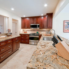 Transitional Kitchen by Design&Building Int/Ext - Interiors by Isabelle