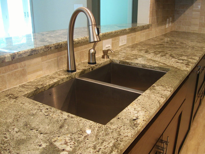 Traditional Kitchen by G & G Marble & Granite Inc.