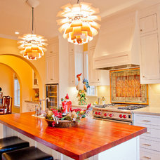 Traditional Kitchen by English Heritage Homes of Texas