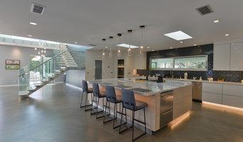 Lakewood Modern Residence