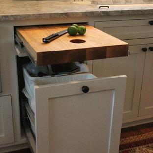 ダラスのトラディショナルスタイルのおしゃれなキッチンの写真