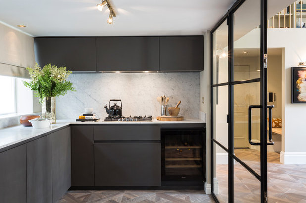 how high to hang kitchen cabinets