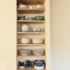 Modern Kitchen by Garland Mill