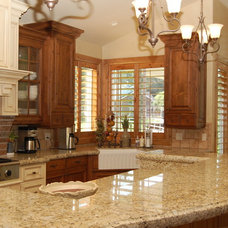 Traditional Kitchen by Carriage House Mill