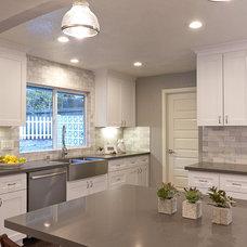 Modern Kitchen by Next Generation Capital