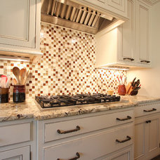 Traditional Kitchen by Distinctive Remodeling, LLC