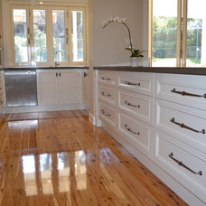 Traditional Kitchen by Collaroy Kitchen Centre