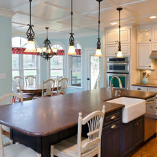 Traditional Kitchen by Lane Homes & Remodeling Inc.