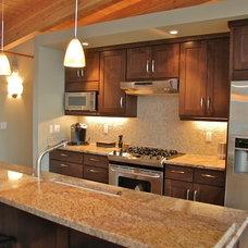 Traditional Kitchen by Satterberg Desonier Dumo Interior Design, Inc.