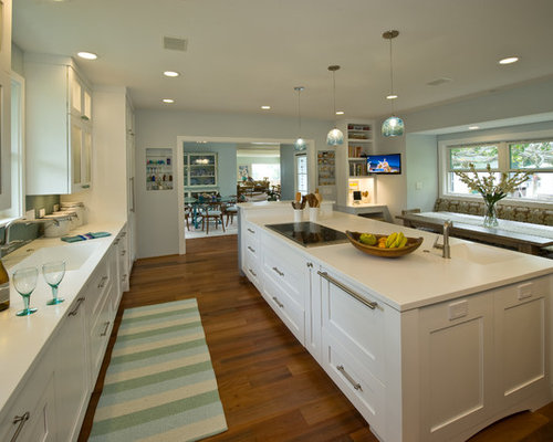 Tropical kitchen design ideas renovations photos with for Kitchen cabinets 90808