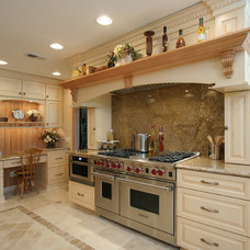 Farmhouse Kitchen by Angie Keyes CKD