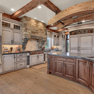 75 Beautiful Kitchen With Gray Cabinets And Travertine Backsplash Pictures Ideas January 2021 Houzz
